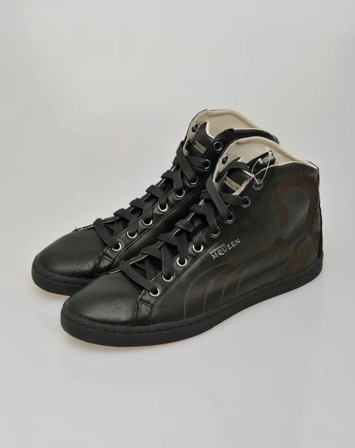 男款黑色鞋子