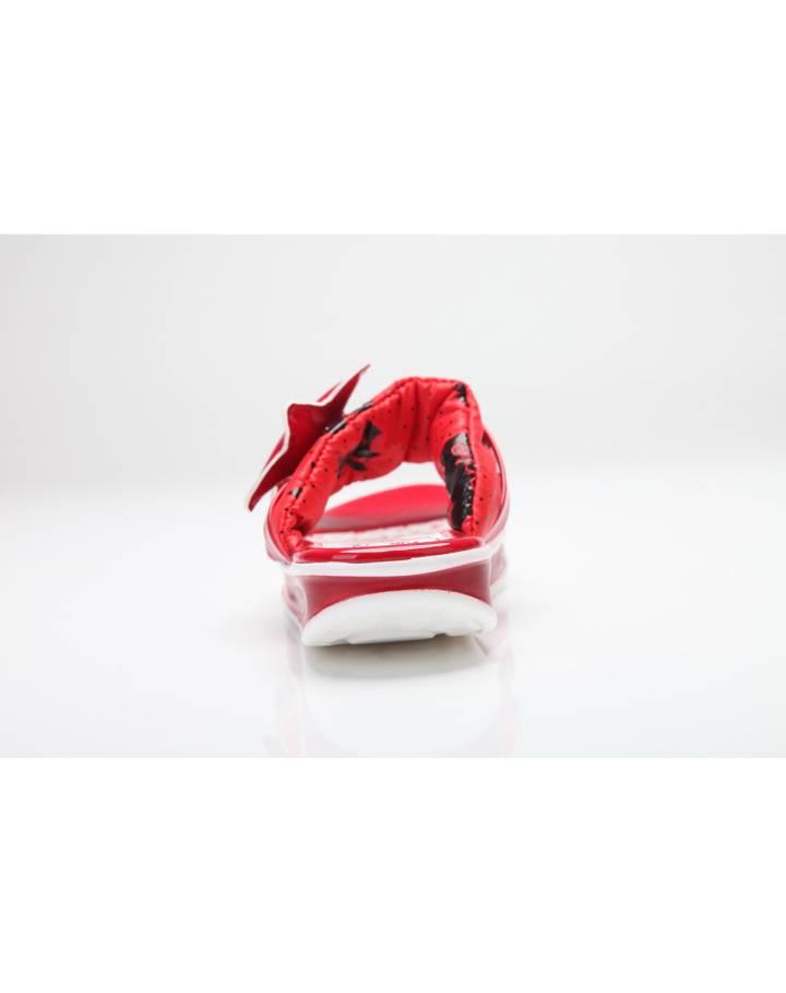 女小童红色皮凉皮鞋