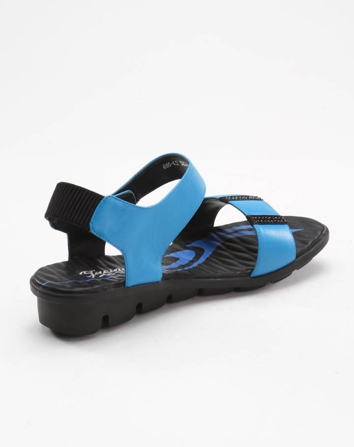 贴珠休闲孔雀蓝色凉鞋